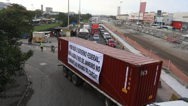 Protesto contra roubos de cargas no Rio