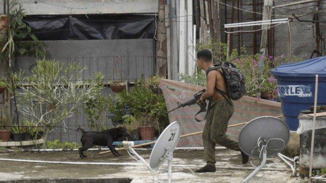 Rio tem guerras entre quadrilhas rivais em 24 favelas