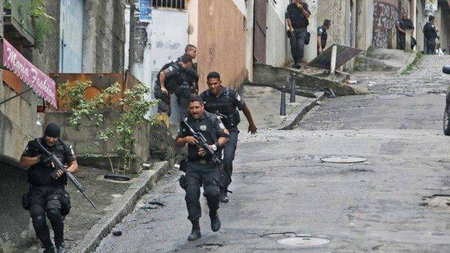 Mais um dia de tiroteio na Vila Cruzeiro