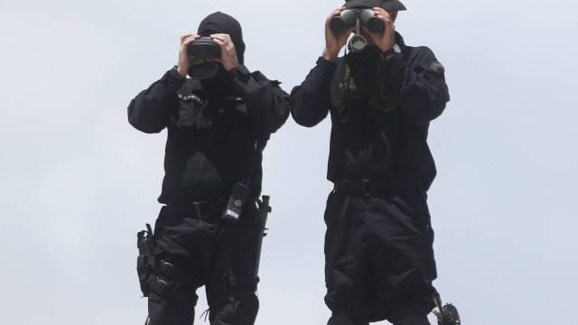 Atiradores de elite que Witzel quer usar em abate treinam com mais de 800 tiros