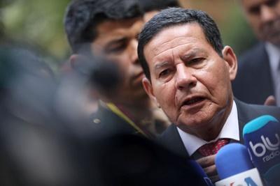 Governo pode oferecer cargos  para base aliada, diz Mourão