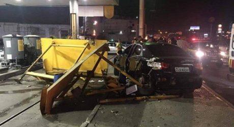 Carro invade ponto de ônibus e atropela cinco pessoas em Meriti