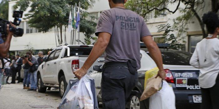 Miliciano preso em operação se passava por policial civil e dirigia viaturas de delegacia