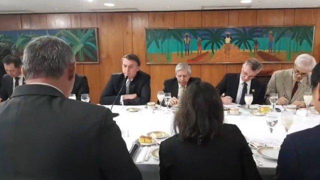 'Passar fome no Brasil é uma grande mentira', diz Bolsonaro