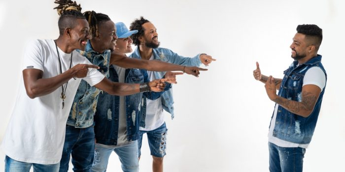 Grupo Styllo X apresenta novo vocalista na Lalu
