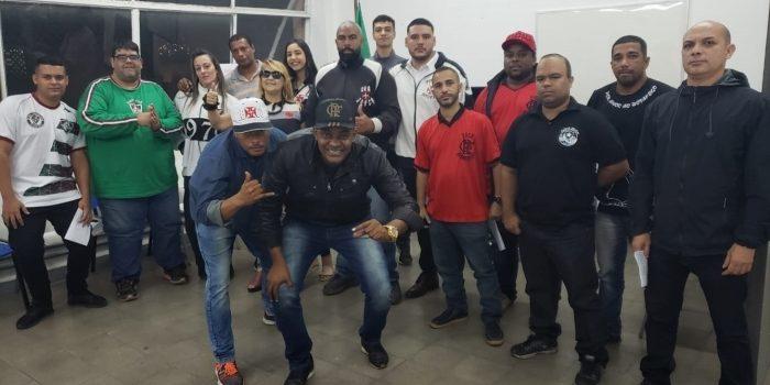 Líderes de torcidas organizadas do Rio se reúnem para celebrar acordo de paz