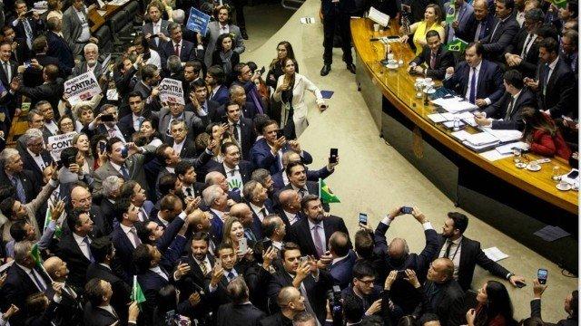 Mudanças feitas no texto original da reforma reduzem economia em R$ 281 bi em 10 anos