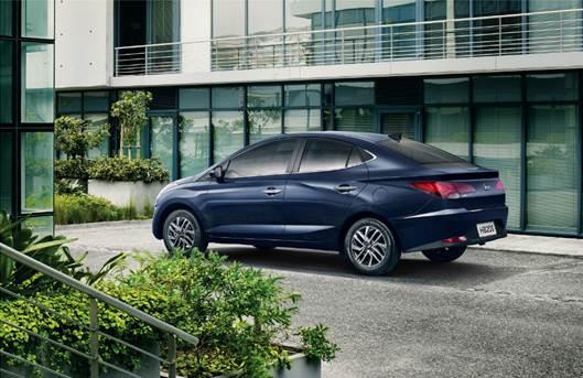 Hyundai HB20 sedã tem imagem oficial divulgada