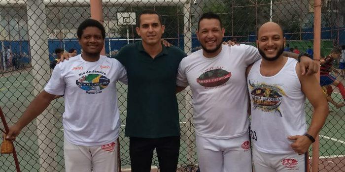 Grupo de amigos realiza Ação social em Bairro de Nova Iguaçu