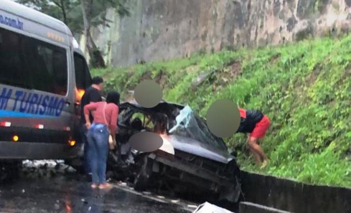 acidente na Rio-Santos  Deixa  Quatro moradores de Belford Roxo mortos