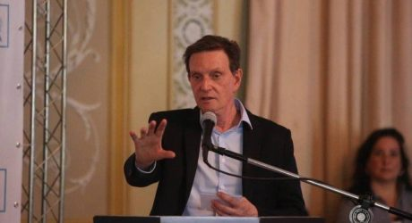 Crivella pede a Witzel que reveja política de segurança, após morte de Ágatha