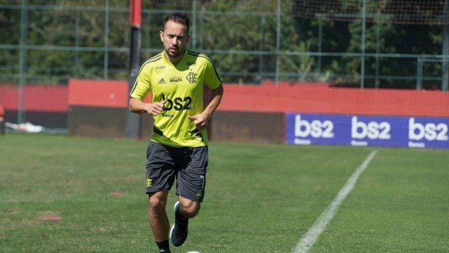 Lesionado, Everton Ribeiro desfalca Flamengo contra o Cruzeiro