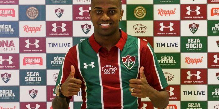Fluminense encaminha rescisão com atacante que atuou apenas dois minutos pelo clube