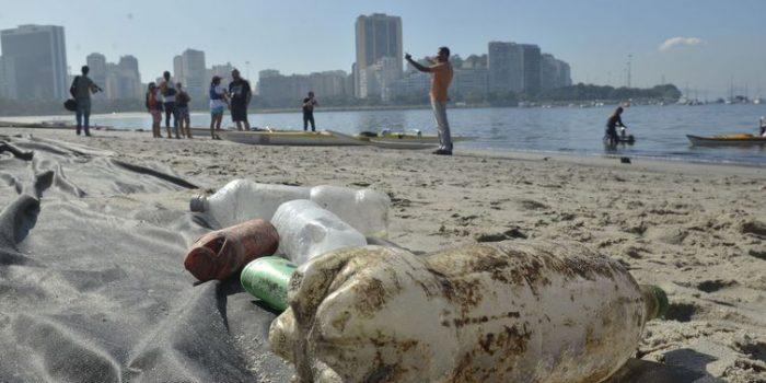 Japão fabricará roupas a partir de garrafas de plástico recicladas
