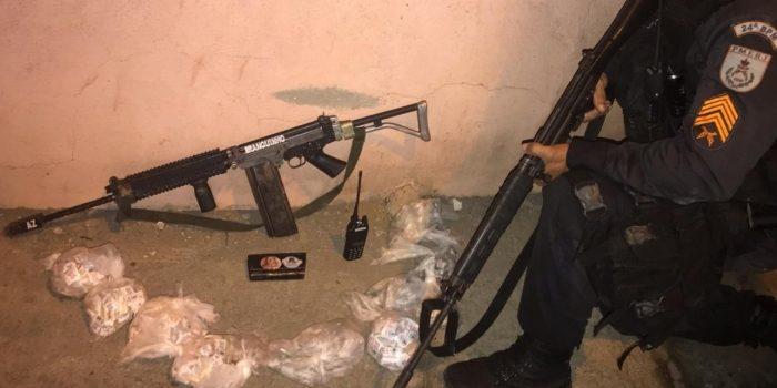 Suspeito é morto durante confronto com PMs em Queimados