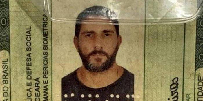 Fotos de Adriano da Nóbrega morto mostram que tiros foram dados à queima-roupa