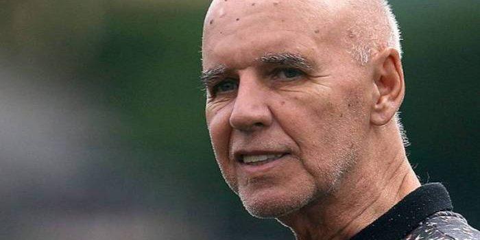 Gerente de futebol do Botafogo, Valdir Espinosa não resiste a operação e morre