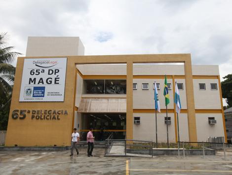 Polícia Civil prende dupla acusada de ter matado Homem a tiros em Magé