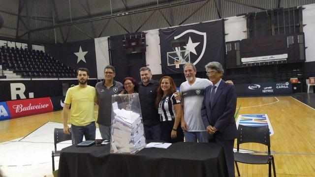 Botafogo vai recorrer na Justiça de suspensão do projeto de clube-empresa