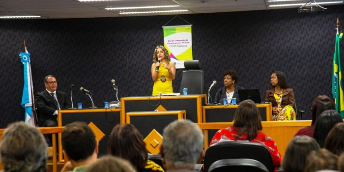 Delegada Mônica Areal Realiza palestra em reunião de Fortalecimento da Rede em Mesquita