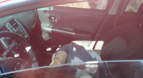 Homem é  executado a tiros dentro de carro em Queimados