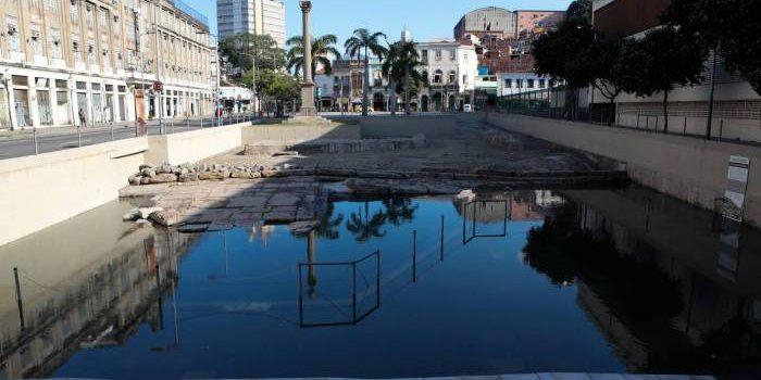 Funcionário da Prefeitura leva choque no Cais do Valongo