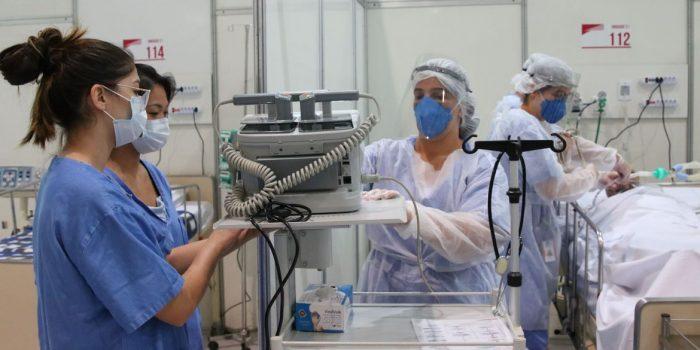 SP registra queda no número de mortes e de internações por covid-19