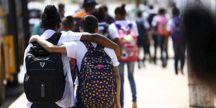Retomada de escolas estaduais em São Paulo beneficia 200 mil alunos