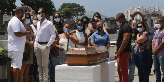 Filho de vítima do incêndio diz que vai processar Hospital Federal de Bonsucesso
