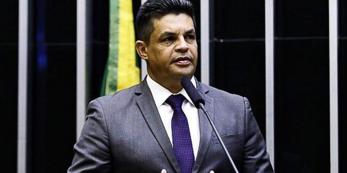 Câmara confirma cassação de deputado Manuel Marcos
