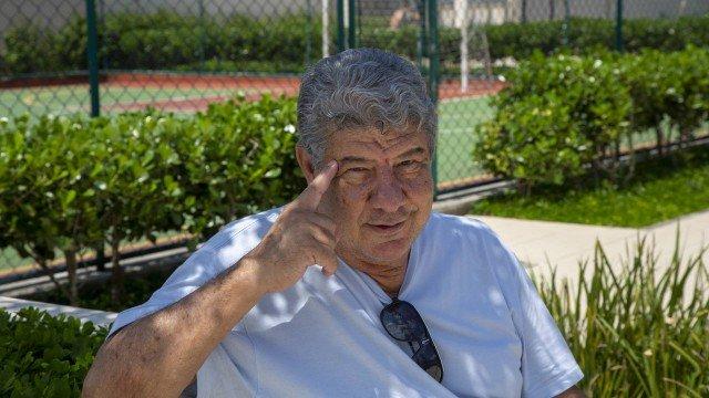 Vice de Bolsonaro, Hamilton Mourão quer Joel Santana como técnico do Flamengo