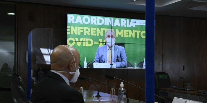 Avião com 1,5 milhão de doses da Janssen chega amanhã, diz ministro