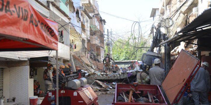 Bombeiros encerraram trabalho no desabamento em comunidade do Rio