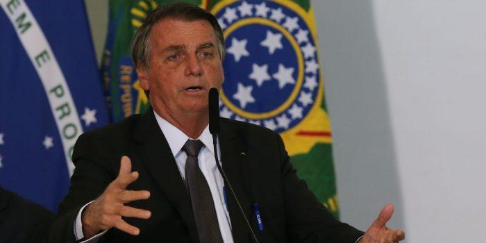 Bolsonaro participa de solenidade de promoção de oficiais-generais