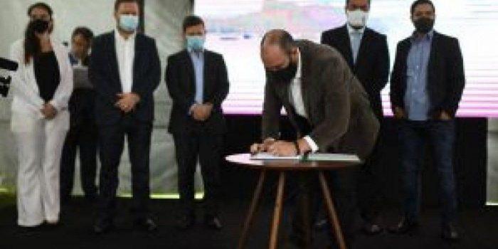 Governo do Estado assina contrato de concessão de saneamento do bloco 2 da Cedae