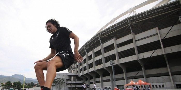 Joia do Botafogo, Matheus Nascimento é convocado para a Seleção Brasileira sub-17