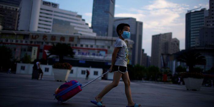 Covid-19: China não relata novos casos locais pela 1ª vez desde julho