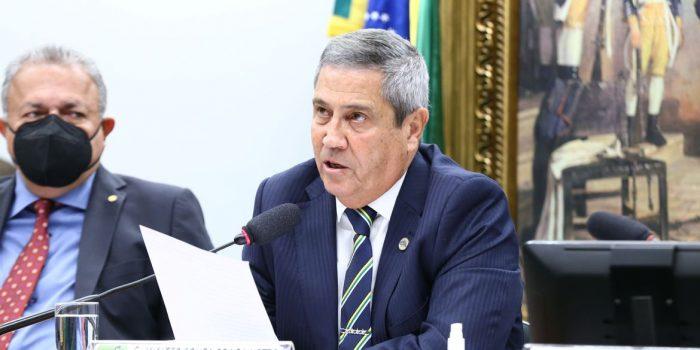 """Ministro critica """"insinuações generalizadas"""" contra militares"""