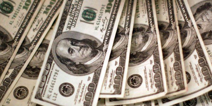Dólar sobe para R$ 5,18 após três dias de queda